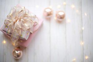 Pričarajte lepoto božiča z okraski in darili, ki ste jih ustvarili sami
